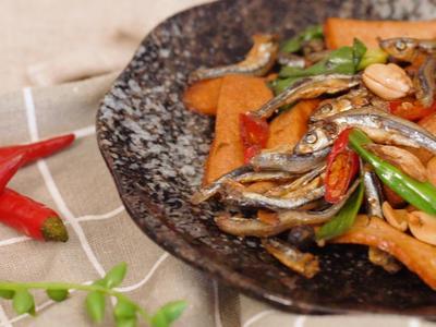 小魚豆干辣椒