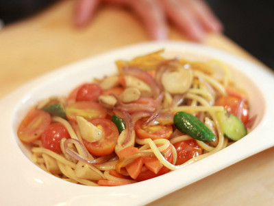橄欖油清炒金針時蔬麵